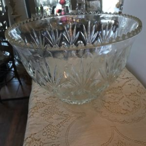 Glass bowl/Punch Bowl